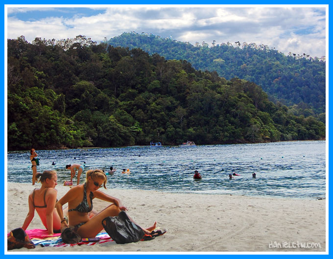 Sun Tan Island