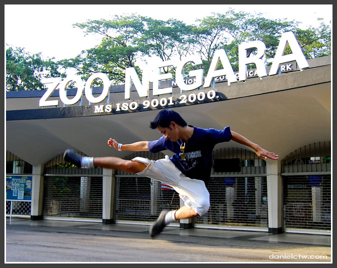 danielctw Kicking Zoo Negara Pose