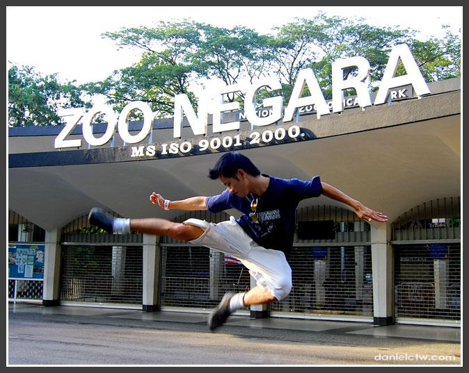 danielctw Kicking Zoo Negara Pose