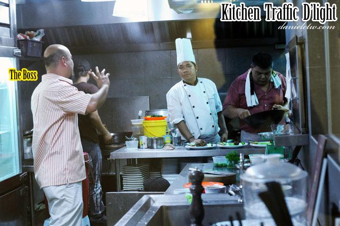 Traffic D'light Kitchen