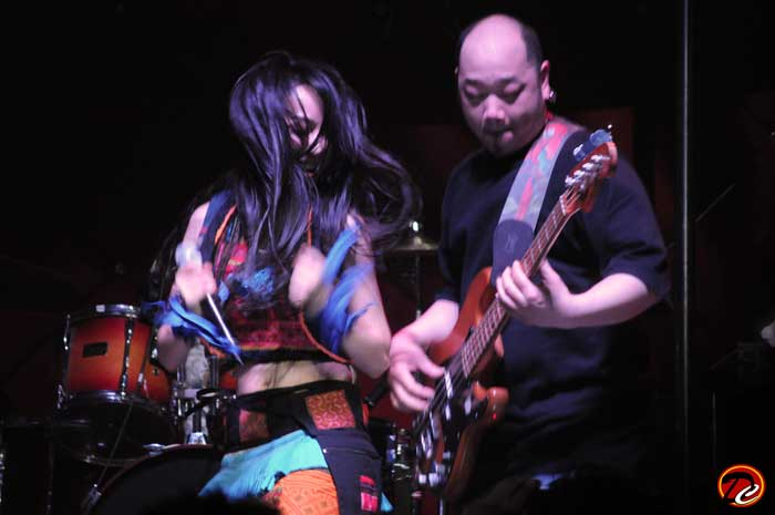 Sa Ding Ding with Guitarist