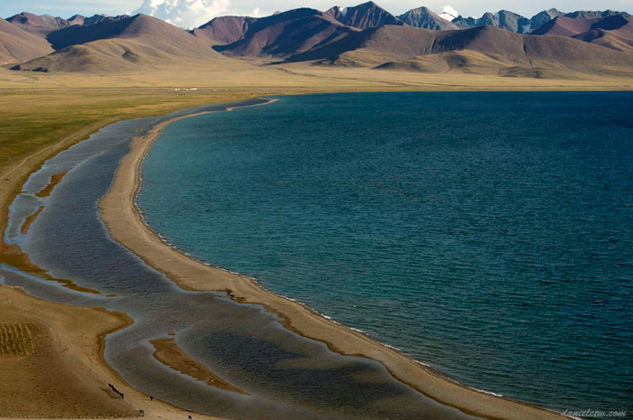 Namtso Lake Closeup Overview