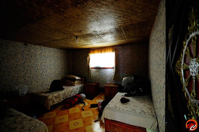 Namtso Lake House Room