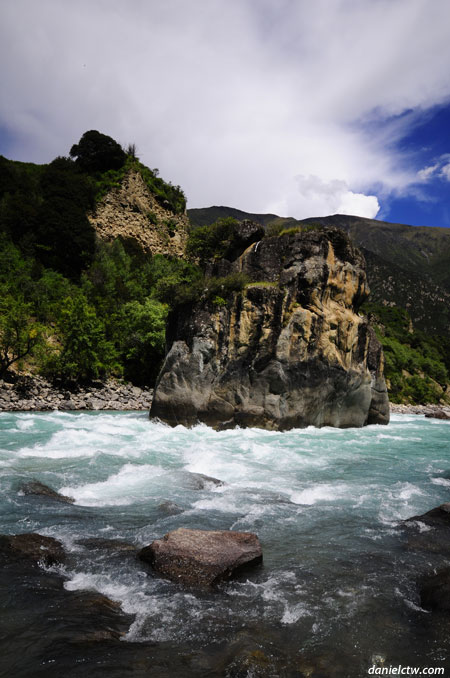 Middle Rock River flow from Glacier