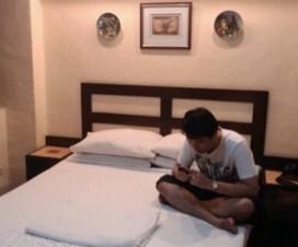 Steven in Hotel