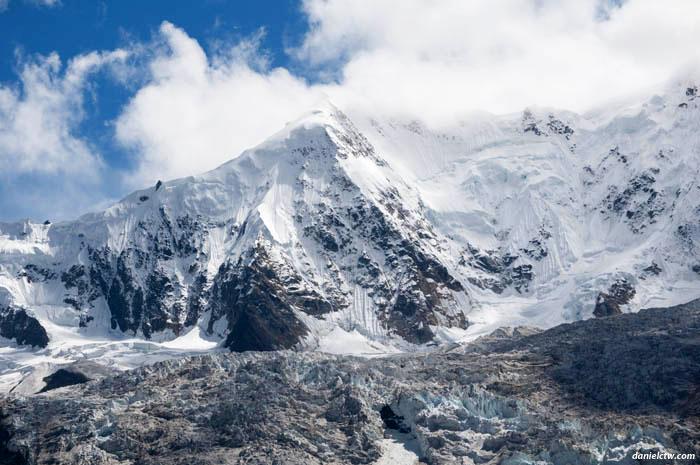 Midui Glacier Closeup