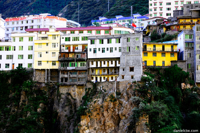 Buildings along Cliffs