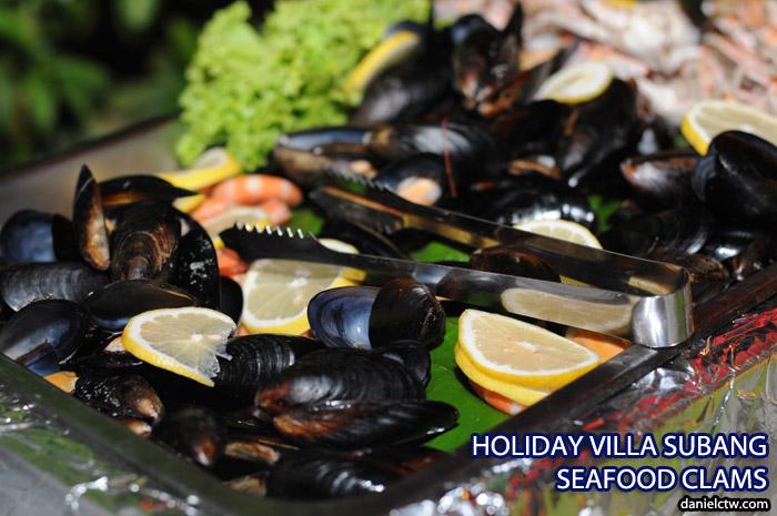 Holiday Villa Seafood Clam