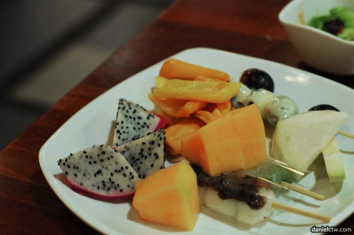 Fruit and Desserts Momiji