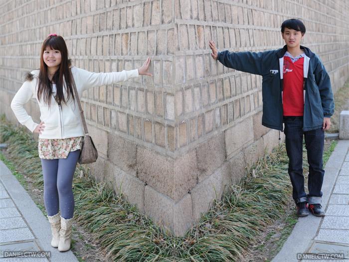 DanielCtw Yen 경복궁 Wall Pose