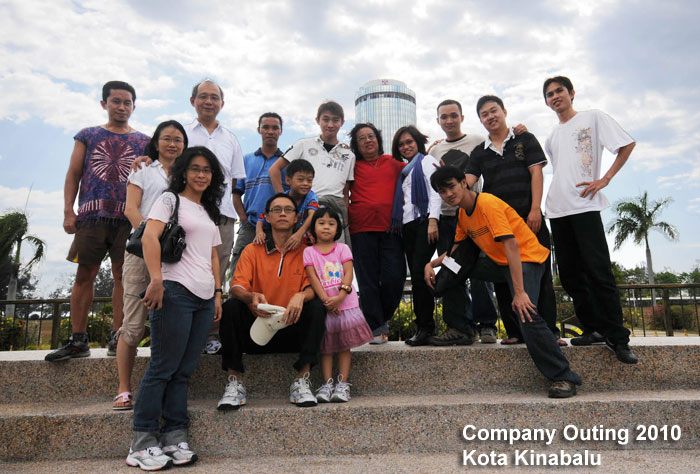 Company Trip Group Photo Kota Kinabalu