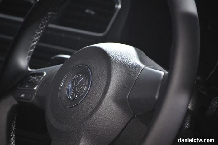 Volkswagen Polo Sedan Steeing