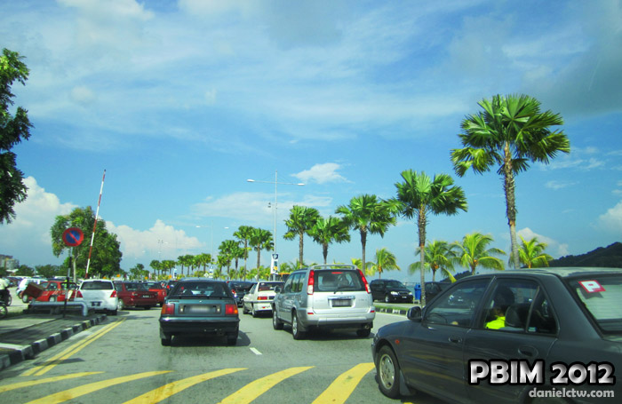 Queensbay Mall Penang Road Jam