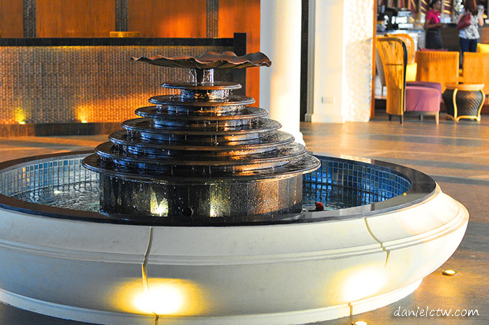 avani resort fountain