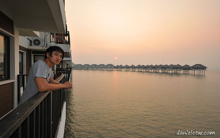 Daniel Chew Avani Resort Pose
