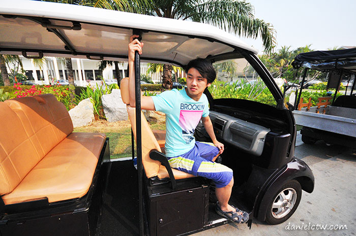 Daniel Chew buggy Avani Resort