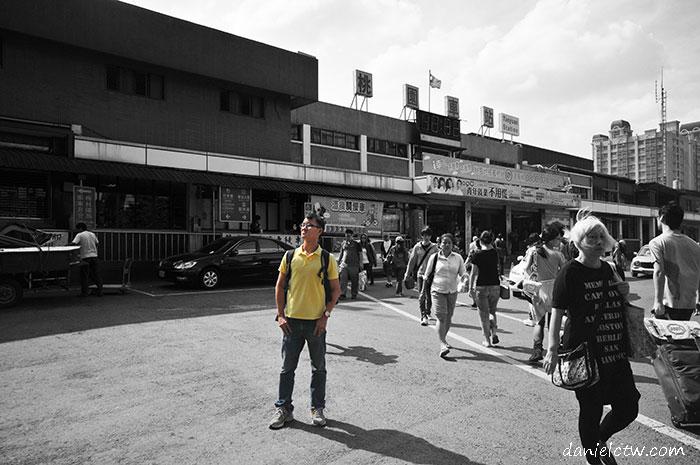 Daniel Chew in front of Taoyuan Train Station