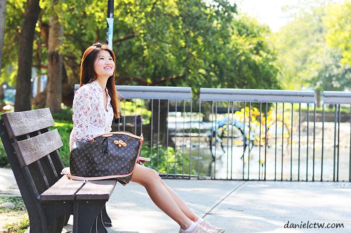 yen pose photos hsinchu park
